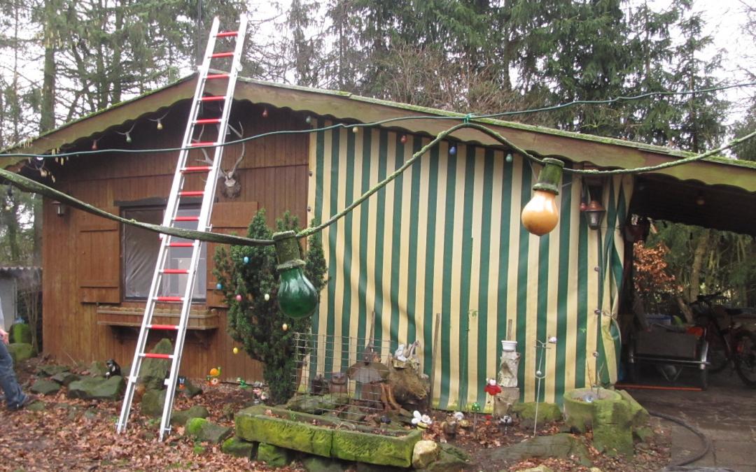 18-002: F1 – Brennt Gartenhütte